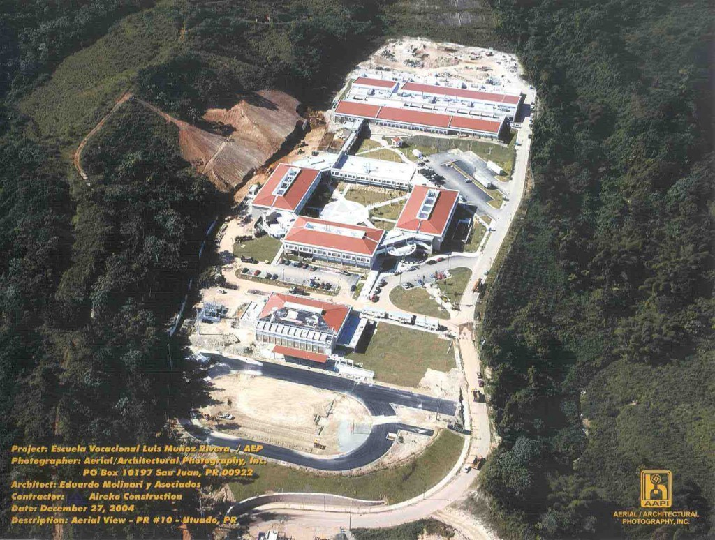 Escuela Luis Muñoz Rivera Overview