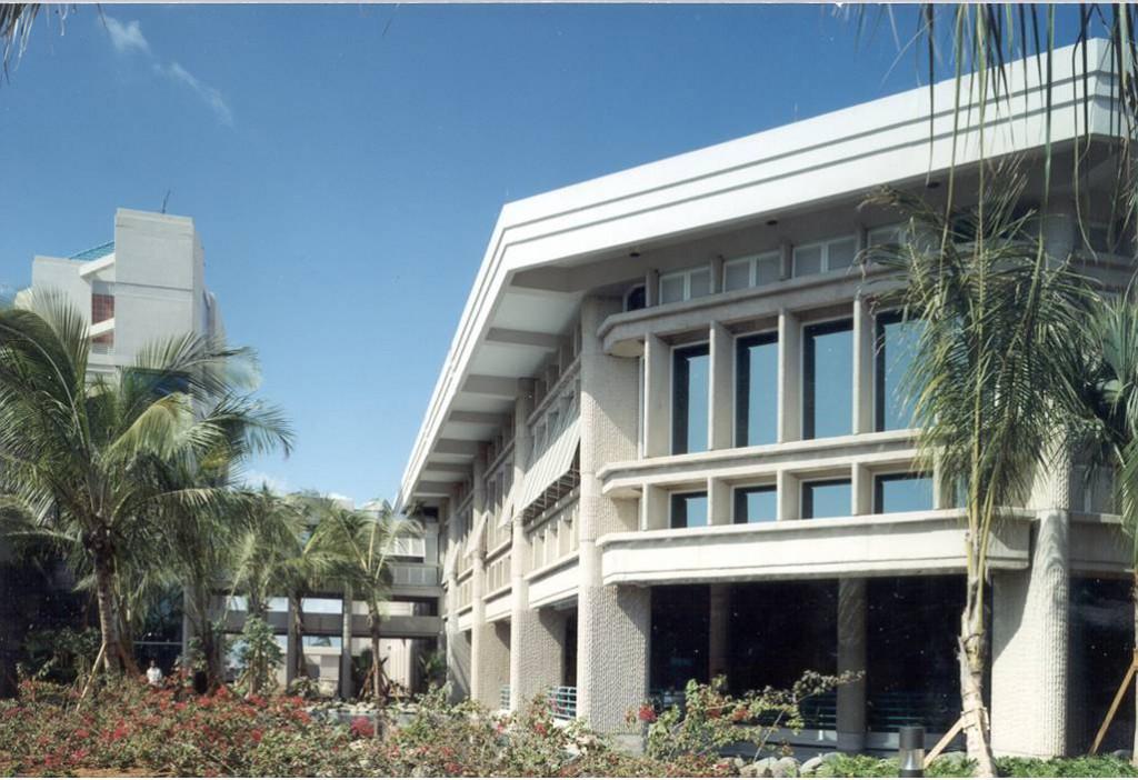 Ponce Hilton Exterior 2
